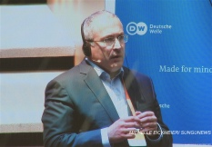 """""""It is one of the weapons that authoritarian regimes utilize, and not only the Putin regime."""" – Mikhail Khodorkovsky. MICHELLE EICKMEIER/ SUNGUNEWS"""