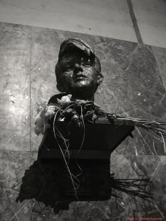 Sophie Scholl-Büste von Nikolai Tregor. Gestiftet von der Weiße Rose Stiftung e.V. Ludwig-Maximilians-Universität München